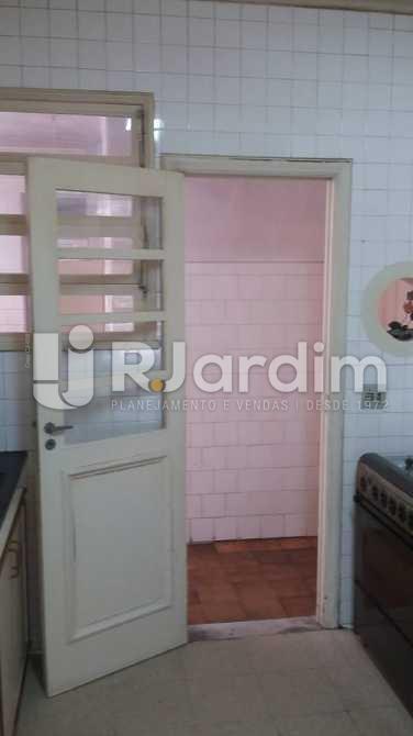 Entrada de serviço  - Apartamento / 3 Quartos / Copacabana - LAAP31039 - 23
