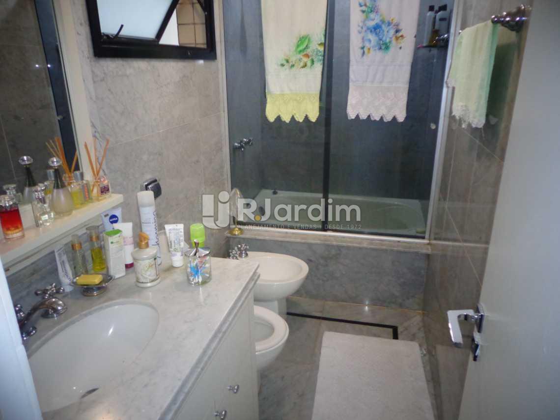 banheiro suíte - Apartamento À VENDA, Ipanema, Rio de Janeiro, RJ - LAAP31055 - 10