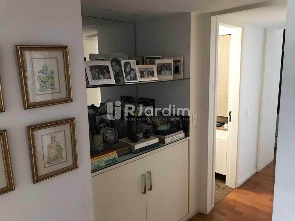 Circulação - Compra Venda Avaliação Imóveis Apartamento Ipanema 3 Quartos - LAAP31167 - 7