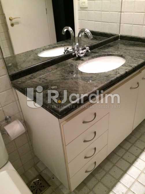 Banheiro - Apartamento Aparthotel / Residencial / 1 Quarto / Lagoa - LAAP10170 - 13