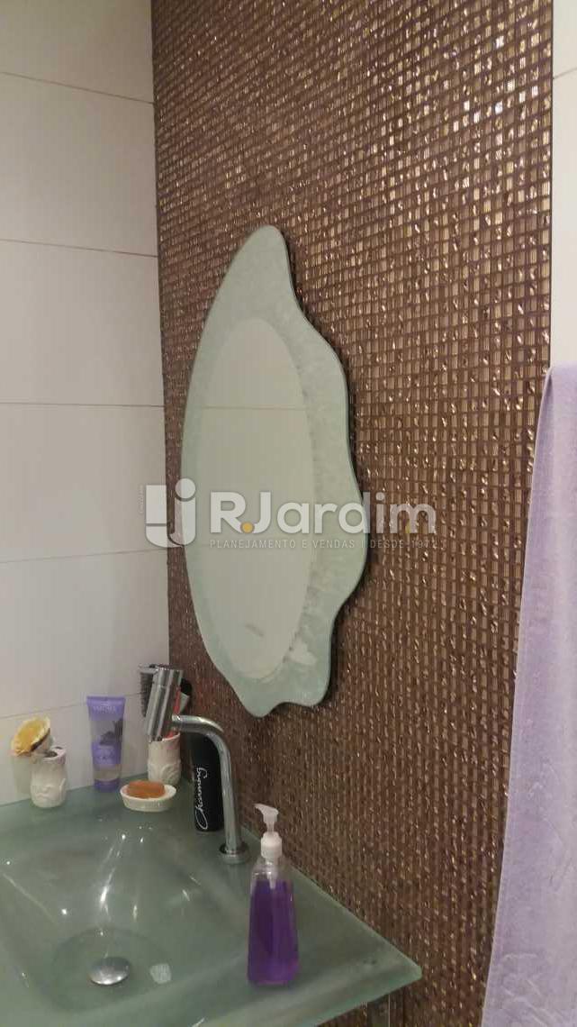 Banheiro social  - Apartamento 4 Quartos Venda Copacabana Zona Sul Rio de Janeiro RJ - LAAP40470 - 13