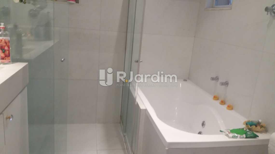 Banheiro suíte - Apartamento 4 Quartos Venda Copacabana Zona Sul Rio de Janeiro RJ - LAAP40470 - 24