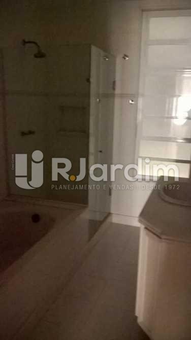 9 WC Suíte 1 - Apartamento Copacabana, Zona Sul,Rio de Janeiro, RJ Para Alugar, 4 Quartos, 389m² - LAAP40479 - 11