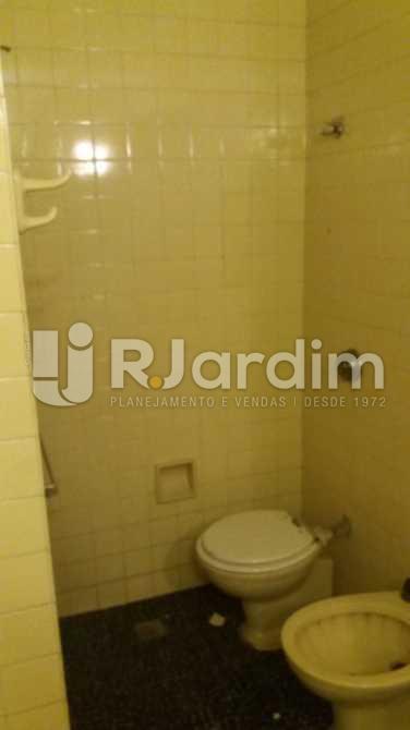 Banheiro social 1 - Apartamento À VENDA, Copacabana, Rio de Janeiro, RJ - LAAP31117 - 13