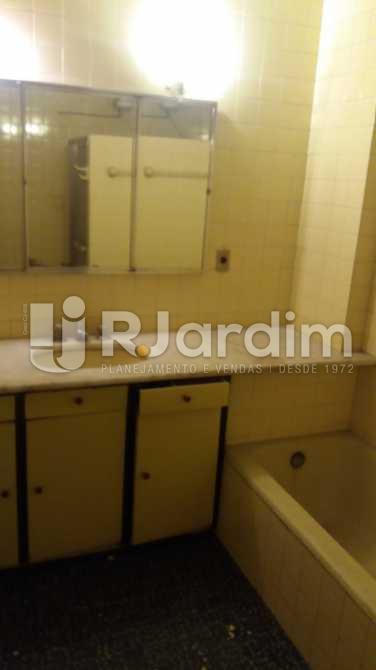 Banheiro social 1 - Apartamento À VENDA, Copacabana, Rio de Janeiro, RJ - LAAP31117 - 14