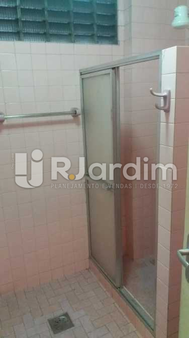 Banheiro social 2 - Apartamento À VENDA, Copacabana, Rio de Janeiro, RJ - LAAP31117 - 16
