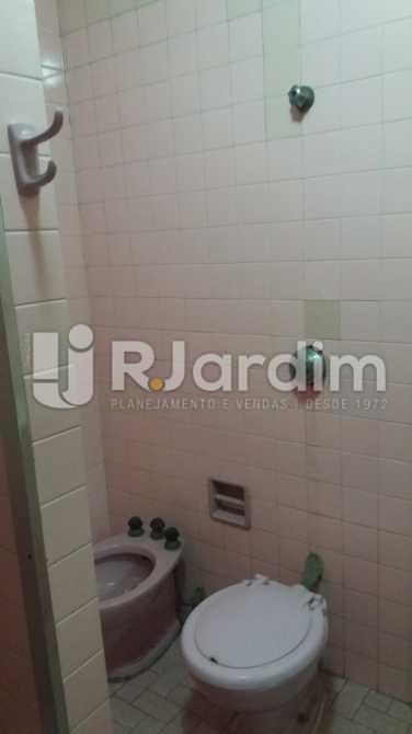 Banheiro social 2 - Apartamento À VENDA, Copacabana, Rio de Janeiro, RJ - LAAP31117 - 17