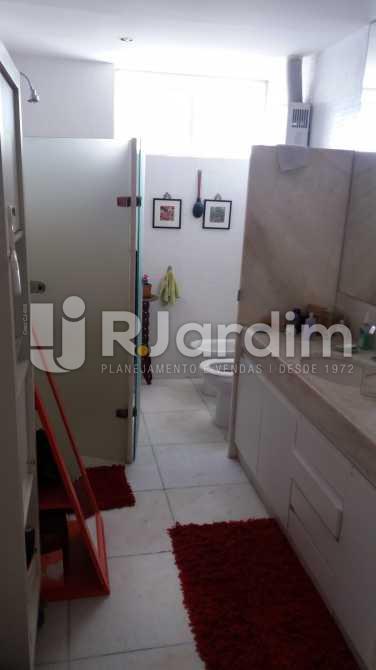 Banheiro suíte master - Cobertura À VENDA, Copacabana, Rio de Janeiro, RJ - LACO40095 - 24