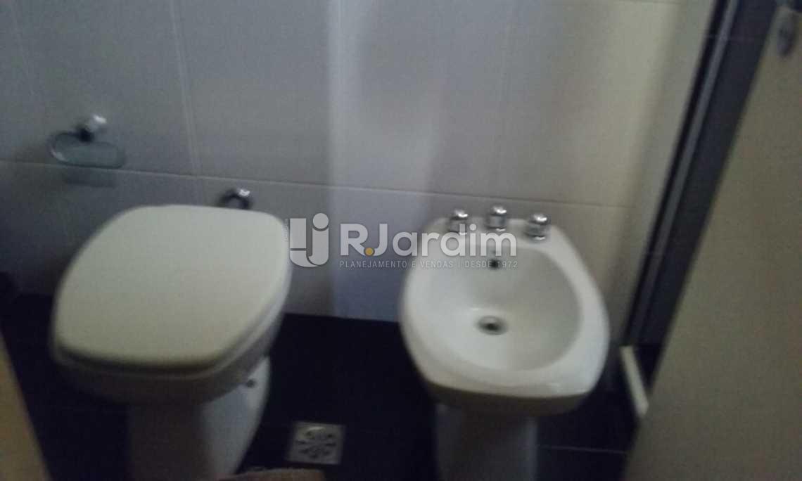 banho suíte  - Cobertura Leblon, Zona Sul,Rio de Janeiro, RJ À Venda, 2 Quartos, 149m² - LACO20097 - 9