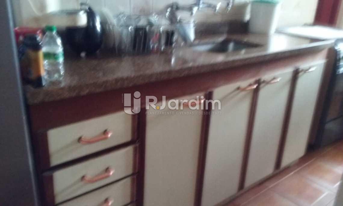 cozinha  - Cobertura Leblon, Zona Sul,Rio de Janeiro, RJ À Venda, 2 Quartos, 149m² - LACO20097 - 15