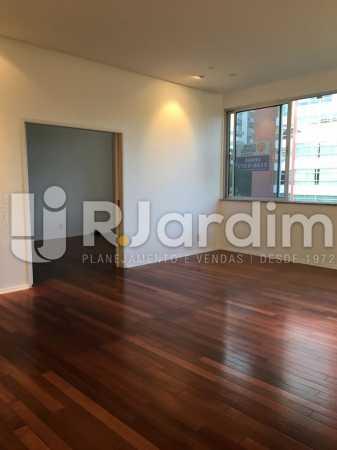 Sala com quarto 1 anexo - Apartamento À VENDA, Leblon, Rio de Janeiro, RJ - LAAP31179 - 5