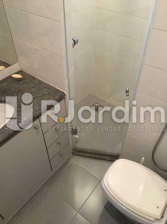 Banheiro serviço - Apartamento À VENDA, Leblon, Rio de Janeiro, RJ - LAAP31179 - 28