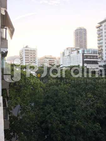 Vista  livre da sala - Apartamento À VENDA, Leblon, Rio de Janeiro, RJ - LAAP31179 - 7
