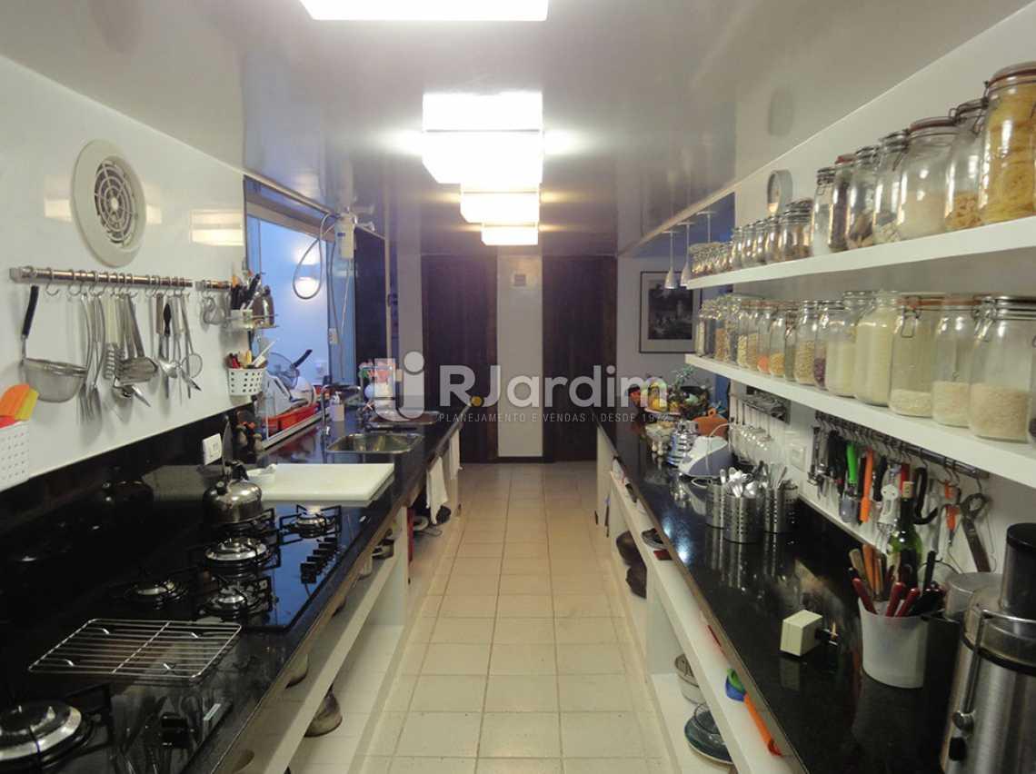 cozinha  - Casa em Condomínio Triplex Residencial São Conrado 4 Quartos - LACN40009 - 18