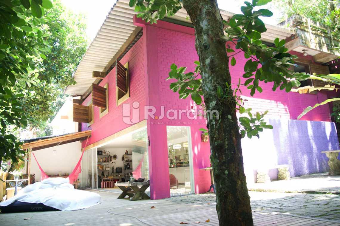 vista parcial  - Casa em Condomínio Triplex Residencial São Conrado 4 Quartos - LACN40009 - 5