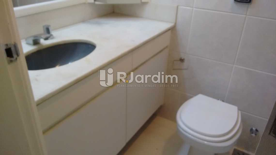 banheiro social  - Apartamento PARA ALUGAR, Leblon, Rio de Janeiro, RJ - LAAP40522 - 14
