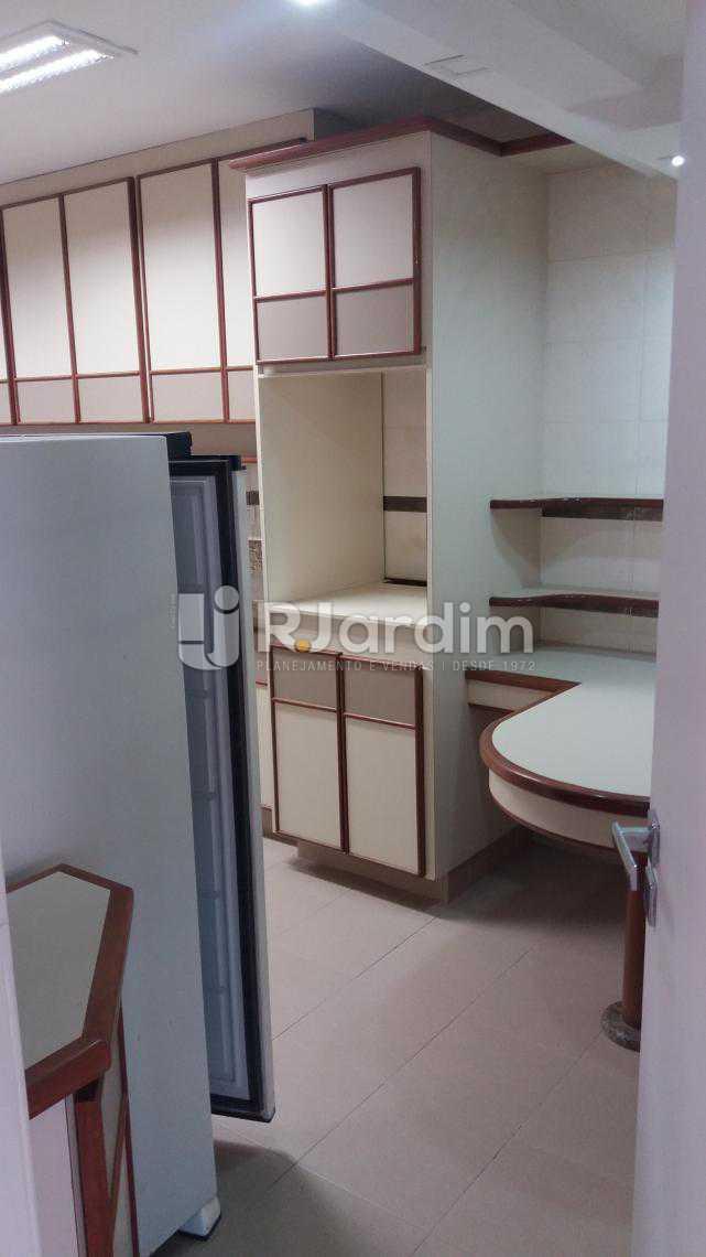 Cozinha - Apartamento À VENDA, Copacabana, Rio de Janeiro, RJ - LAAP31231 - 7