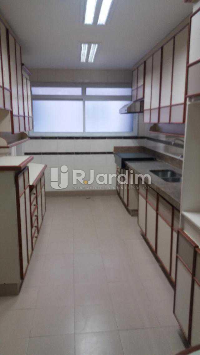 Cozinha - Apartamento À VENDA, Copacabana, Rio de Janeiro, RJ - LAAP31231 - 8