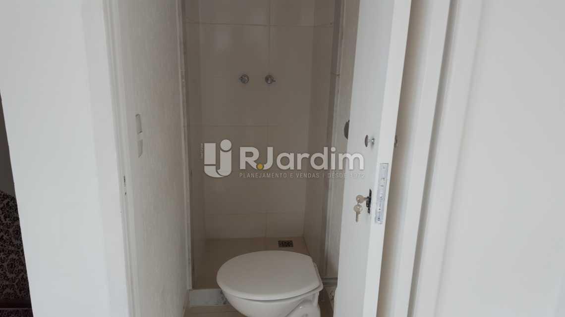 Banheiro serviço - Aluguel Cobertura Botafogo 3 Quartos - LACO30172 - 25