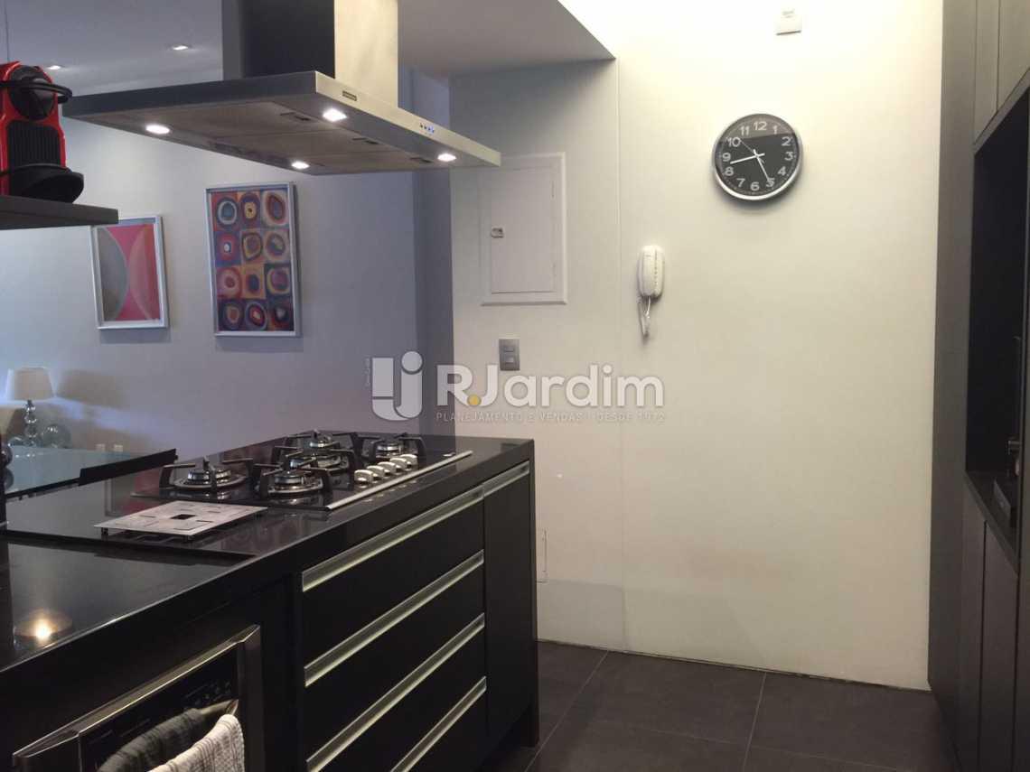 Cozinha com Decorada - Apartamento Residencial Copacabana - LAAP31241 - 15