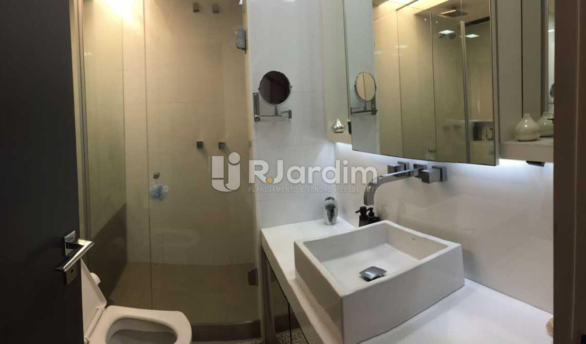 Banheiro Social Completo - Apartamento Residencial Copacabana - LAAP31241 - 11