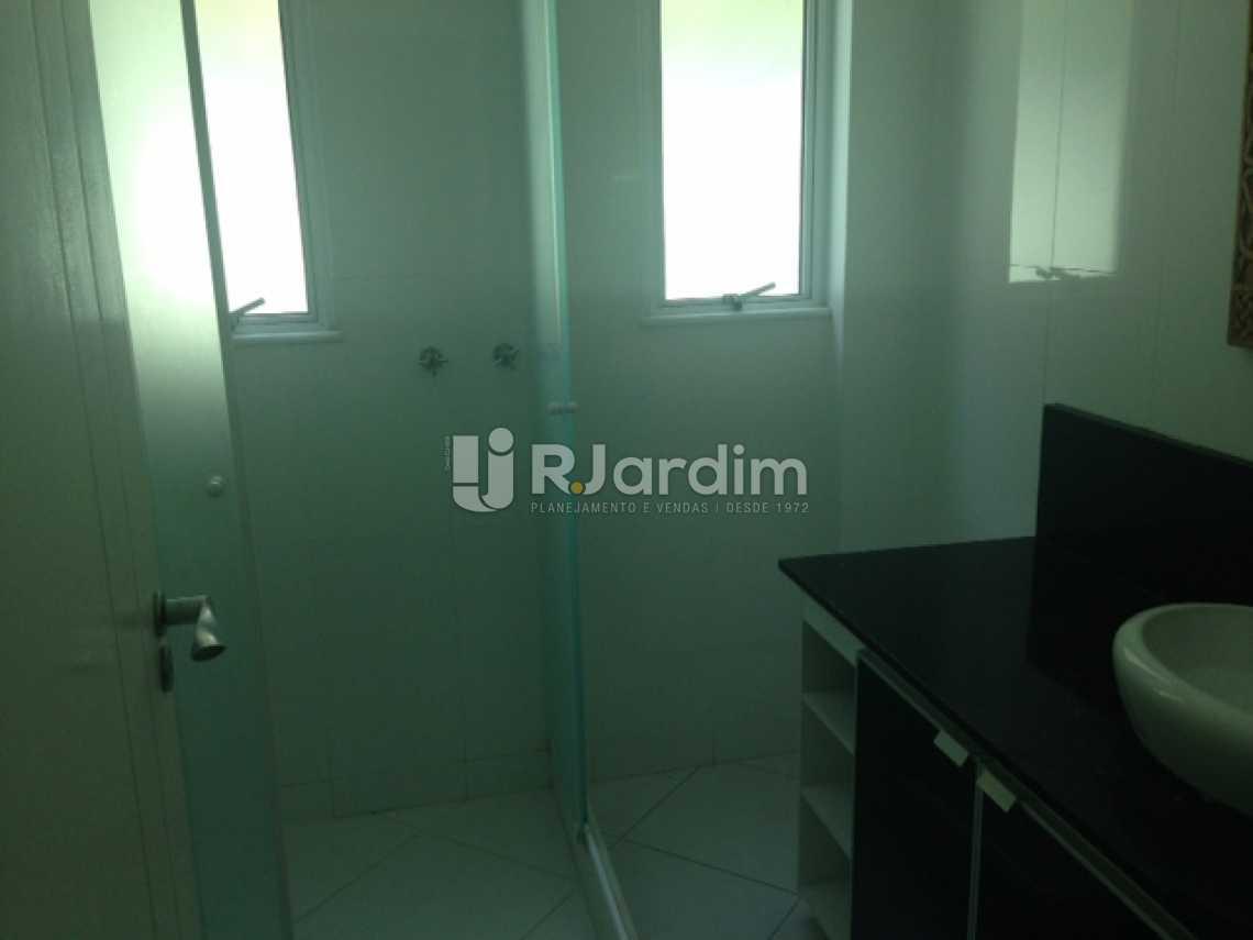 Banheiro Social - Apartamento Padrão Residencial Humaitá - LAAP31250 - 7