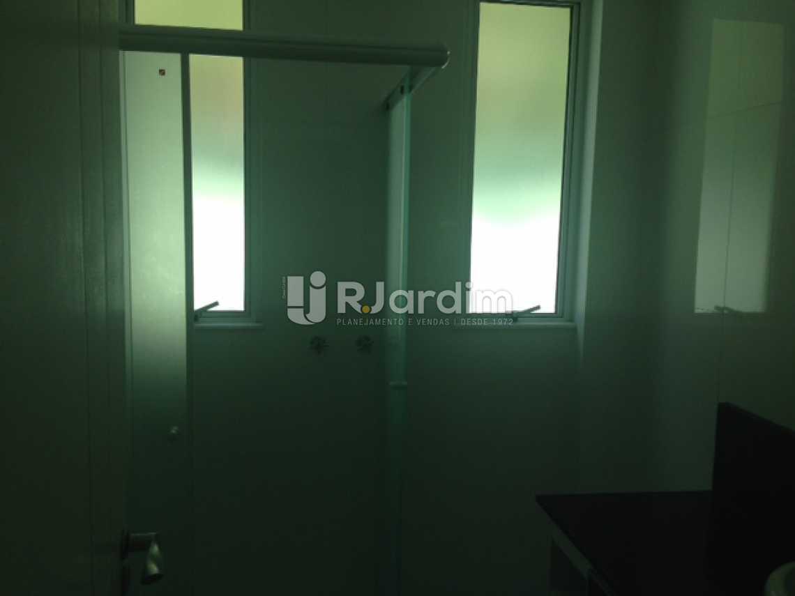 Banheiro Social - Apartamento Padrão Residencial Humaitá - LAAP31250 - 8