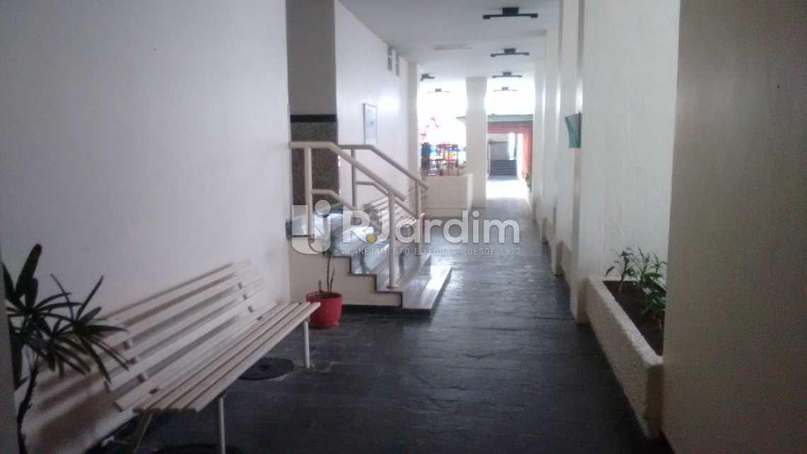 entrada lateral do prédio - Apartamento Residencial Jardim Botânico - LAAP31252 - 3