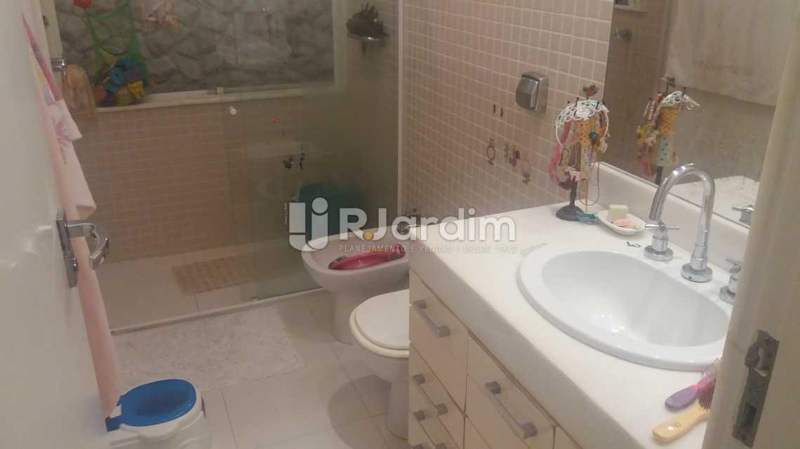 Banheiro social - Imóveis Compra e Venda Copacabana 3 Quartos - LAAP31258 - 16