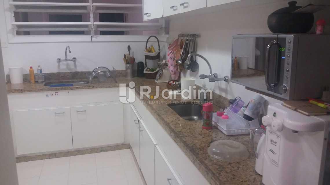 Cozinha - Imóveis Compra e Venda Copacabana 3 Quartos - LAAP31258 - 18
