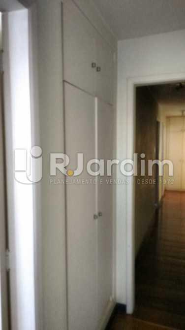 Circulação com armários - Apartamento Padrão Residencial Lagoa - LAAP31268 - 10