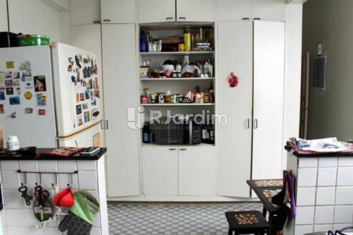 Cozinha - Cobertura na Quadra da Praia, Leblon, Rio de Janeiro - LACO30178 - 16