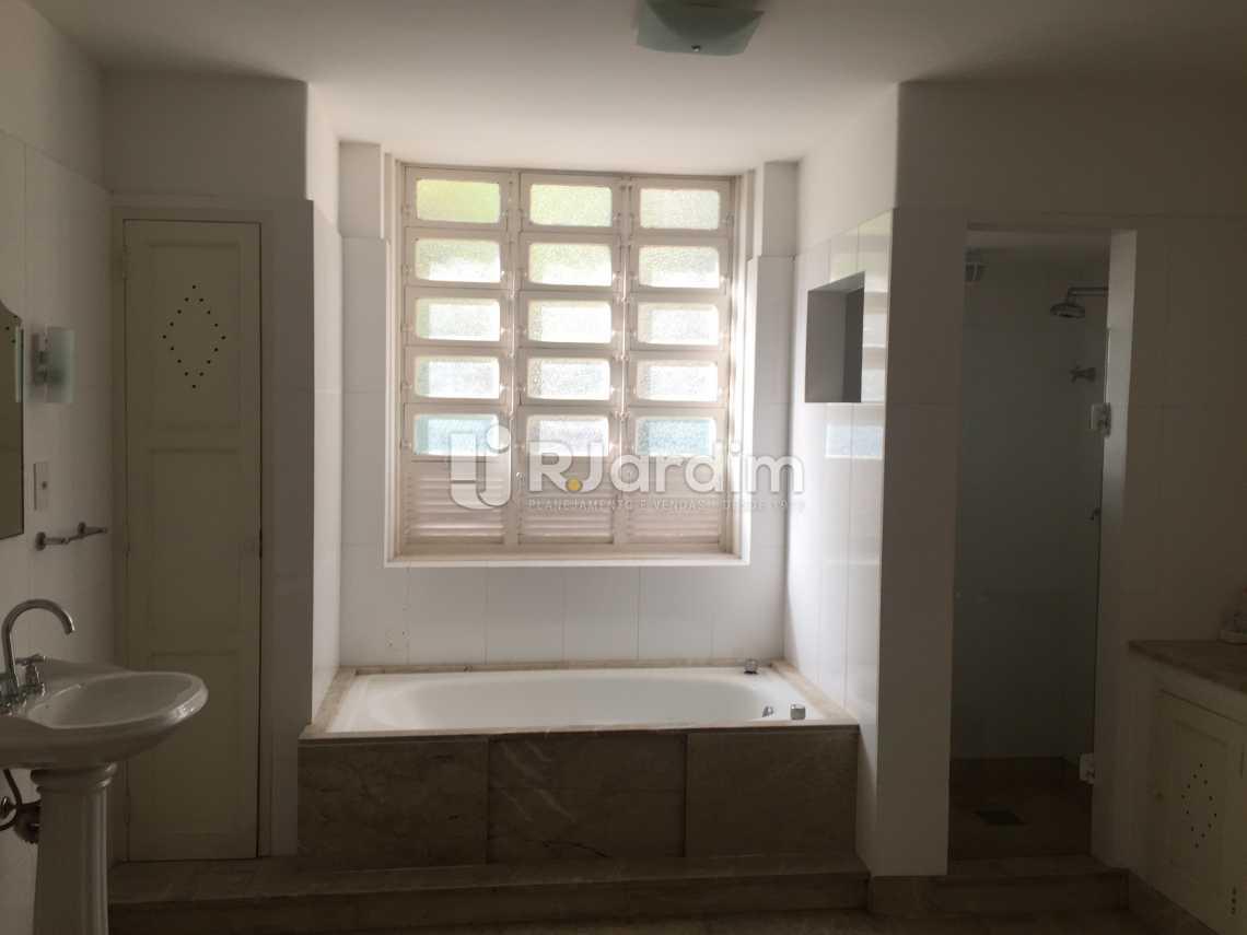 Banheiro suíte - Imóveis Aluguel Jardim Botânico Casa - LACA50018 - 18