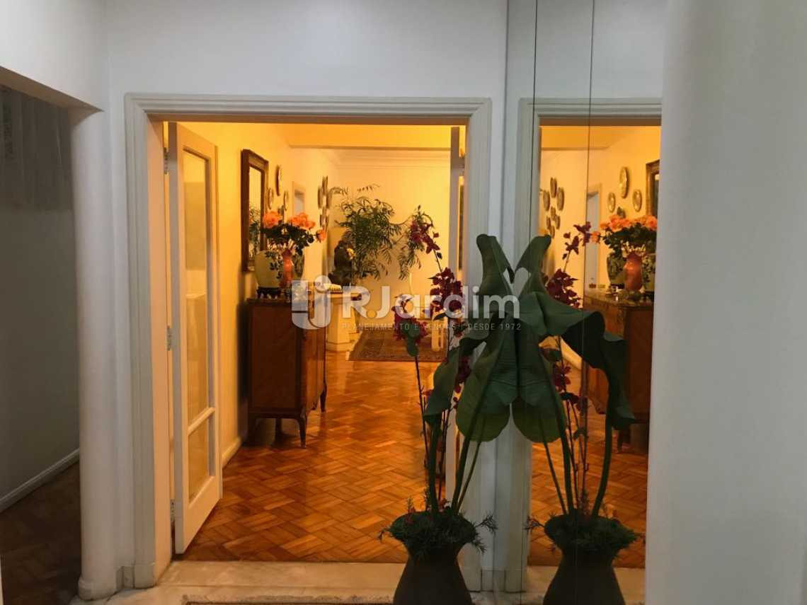 Hall entrada - Apartamento Padrão Residencial Copacabana - LAAP40540 - 1