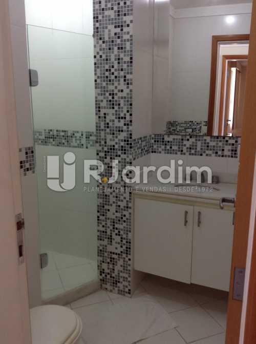 BANHEIRO SOCIAL - Apartamento Padrão Residencial Copacabana - LAAP40565 - 21