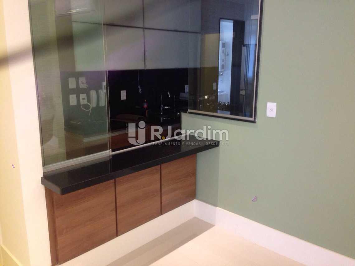 sala com cozinha americana - Apartamento 3 quartos Copacabana - LAAP31405 - 5