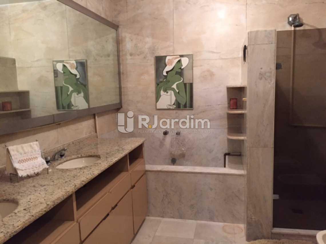 15-SUITE-BANHEIRO - Apartamento Copacabana 4 Quartos 2 Garagem Compra Venda Avaliação Imóveis - LAAP40579 - 16