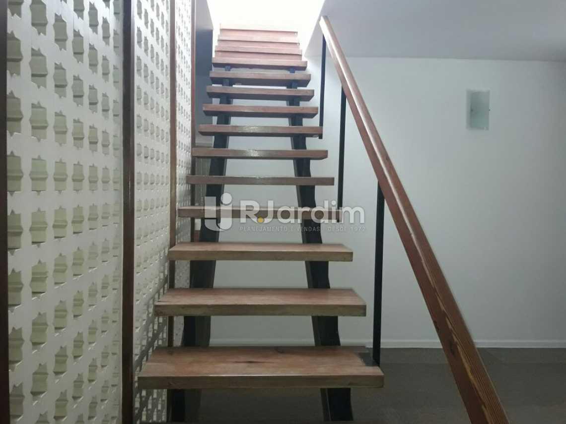 Escada  acesso pro terraço - Cobertura Botafogo 4 Quartos Aluguel Administração Imóveis - LACO40127 - 9