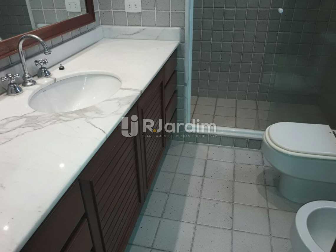 banheiro social - Cobertura Botafogo 4 Quartos Aluguel Administração Imóveis - LACO40127 - 18