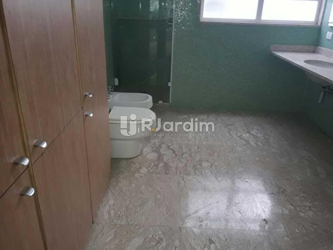 Banheiro social master - Cobertura Botafogo 4 Quartos Aluguel Administração Imóveis - LACO40127 - 22