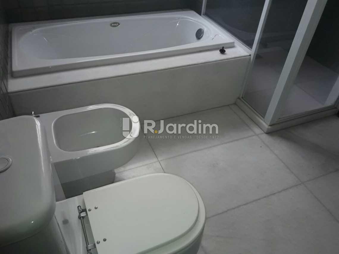 Banheiro com hidromassagem - Cobertura Botafogo 4 Quartos Aluguel Administração Imóveis - LACO40127 - 20