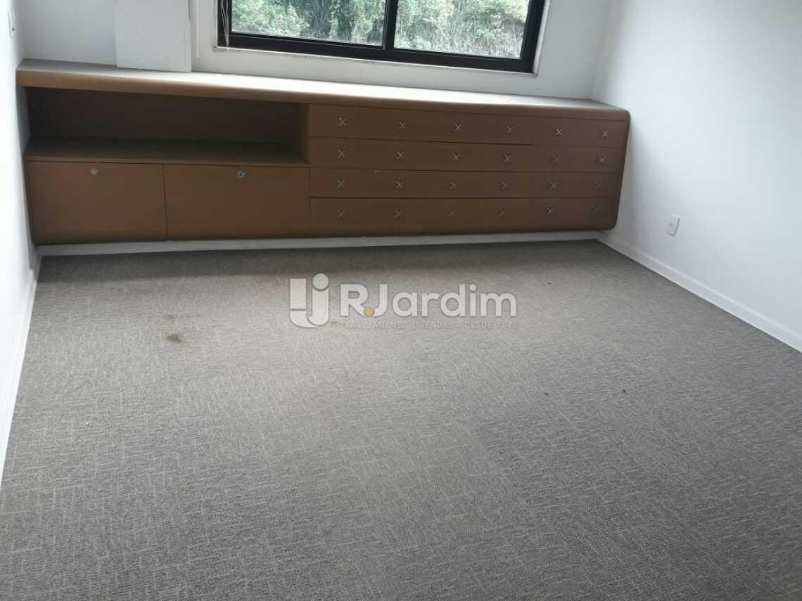 Quarto com armários - Cobertura Botafogo 4 Quartos Aluguel Administração Imóveis - LACO40127 - 21