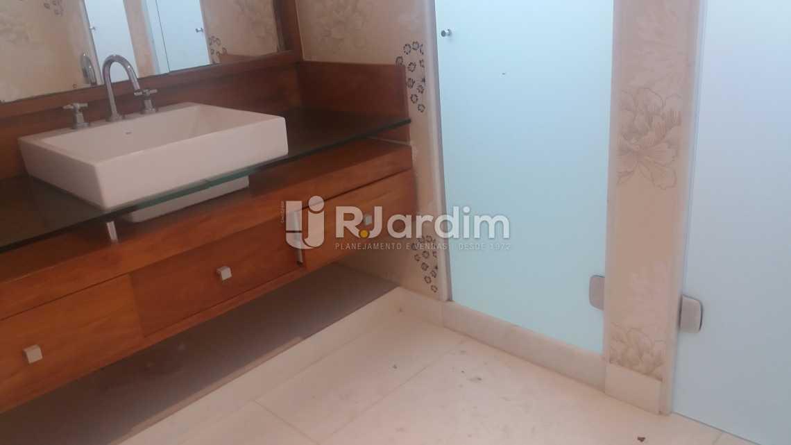Banheiro social  - Casa Rua Embaixador Graça Aranha,Leblon, Zona Sul,Rio de Janeiro, RJ À Venda, 5 Quartos, 500m² - LACA50020 - 14