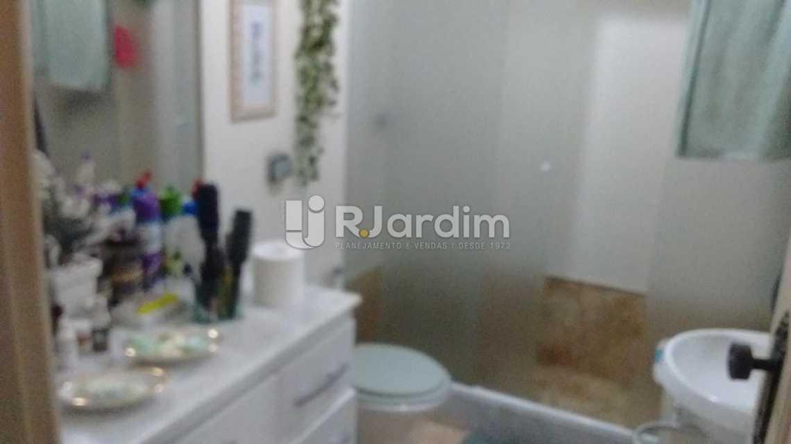 BANHEIRO SOCIAL - Apartamento À VENDA, Copacabana, Rio de Janeiro, RJ - LAAP31516 - 5