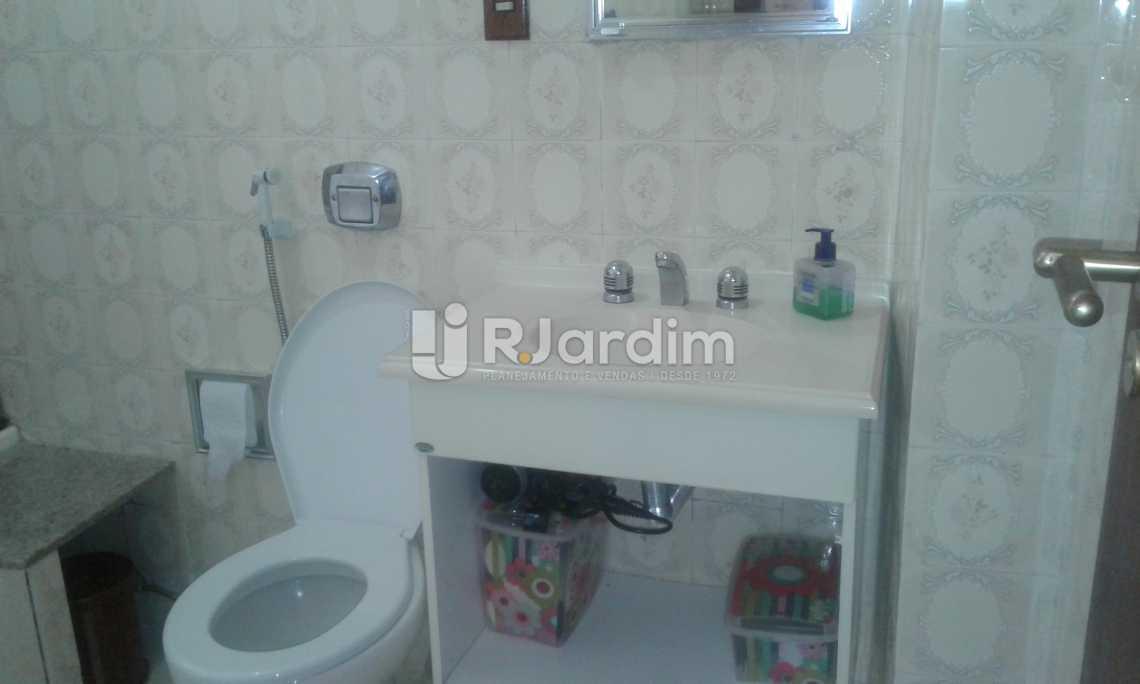 BANHEIRO SOCIAL - Imóveis Compra Venda Avaliação Apartamento Ipanema 2 Quartos - LAAP21068 - 20
