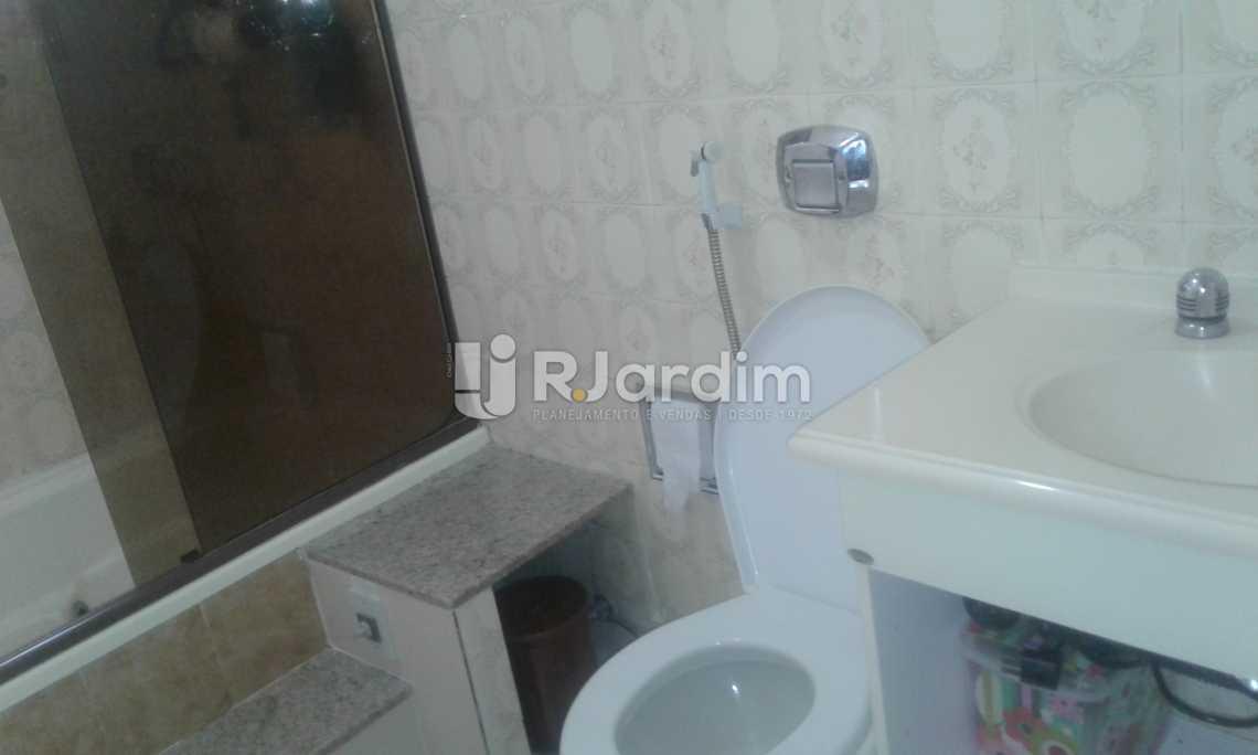 BANHEIRO SOCIAL - Imóveis Compra Venda Avaliação Apartamento Ipanema 2 Quartos - LAAP21068 - 21