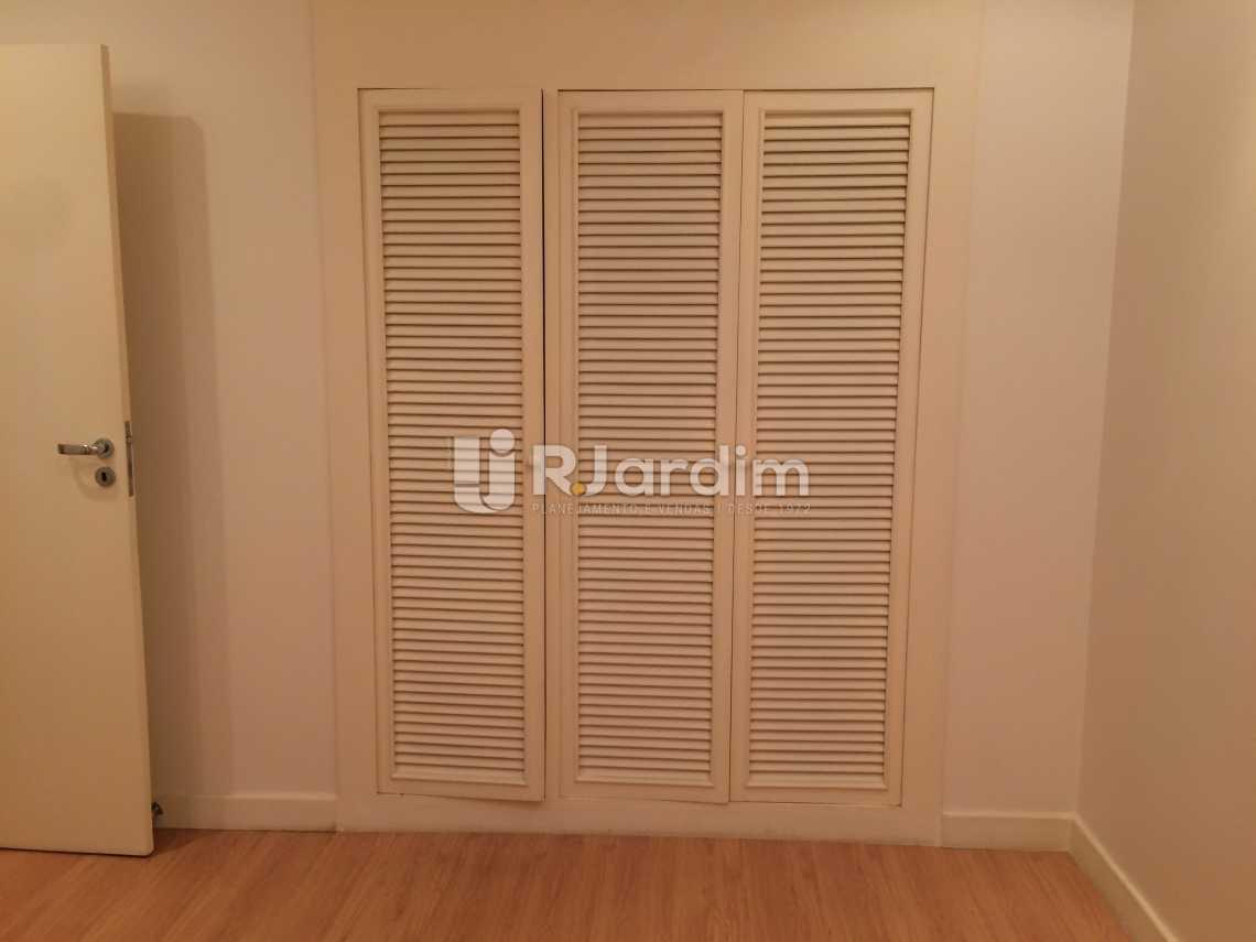 quarto armários - Compra Venda Avaliação Imóveis Apartamento Ipanema 2 Quartos - LAAP21075 - 11