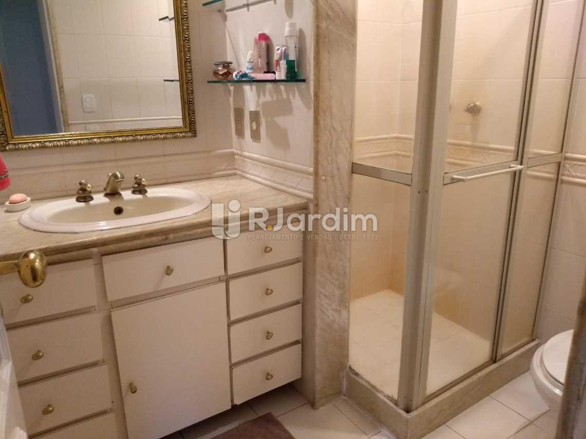 banheiro social  - Apartamento Residencial Copacabana - LAAP40620 - 24