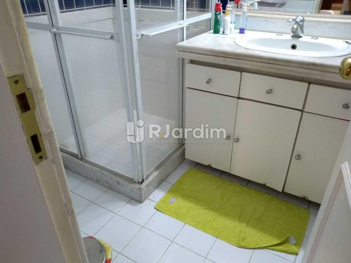 banheiro social - Apartamento Residencial Copacabana - LAAP40620 - 23