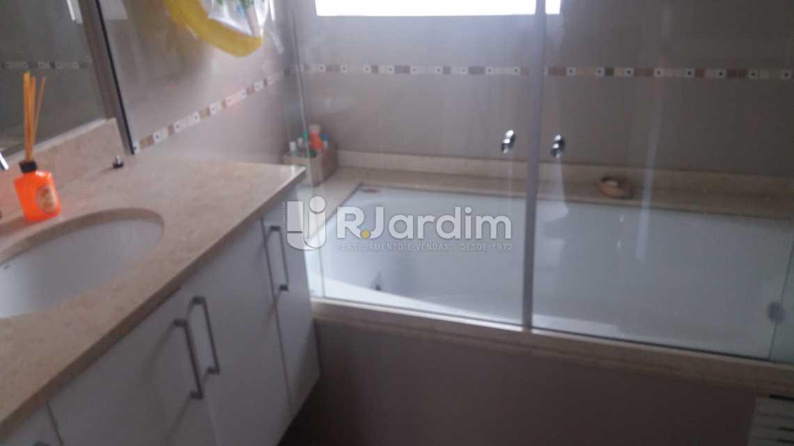 Banheiro suíte - Apartamento Copacabana 2 Quartos Compra Venda Avaliação Imóveis - LAAP21098 - 7